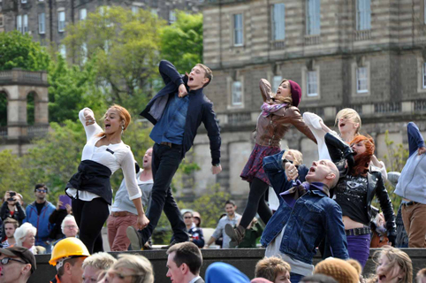Sunshine on Leith - George MacKay - Antonia Thomas