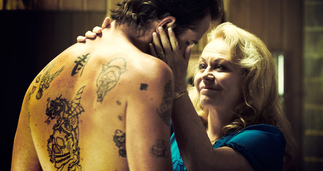 Animal Kingdom - Jacki Weaver - Sullivan Stapleton