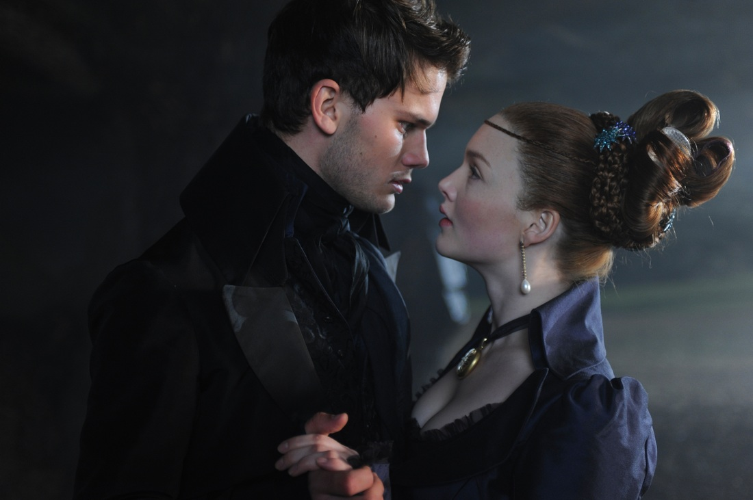 Great Expectations - Holliday Grainger - Jeremy Irvine