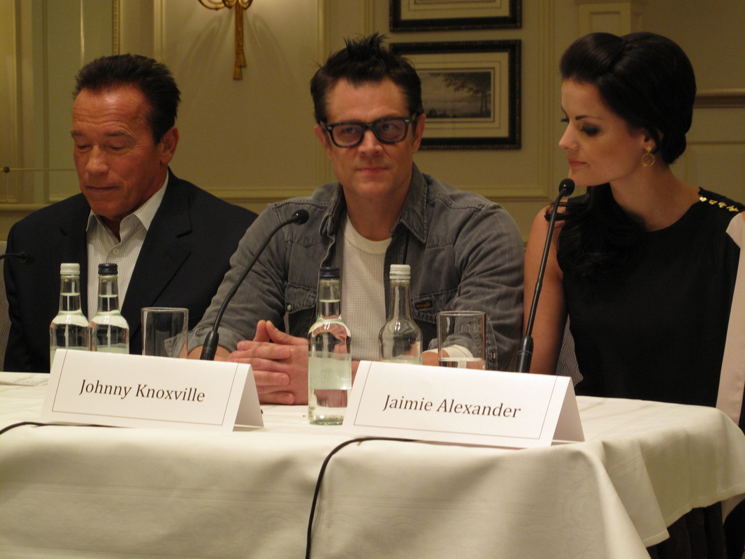 Arnold Schwarzenegger - Johnny Knoxville - Jaimie Alexander